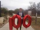 マラソンマンが1年に52回を上回る100回のマラソンを完走!素晴らしい偉業を達成!
